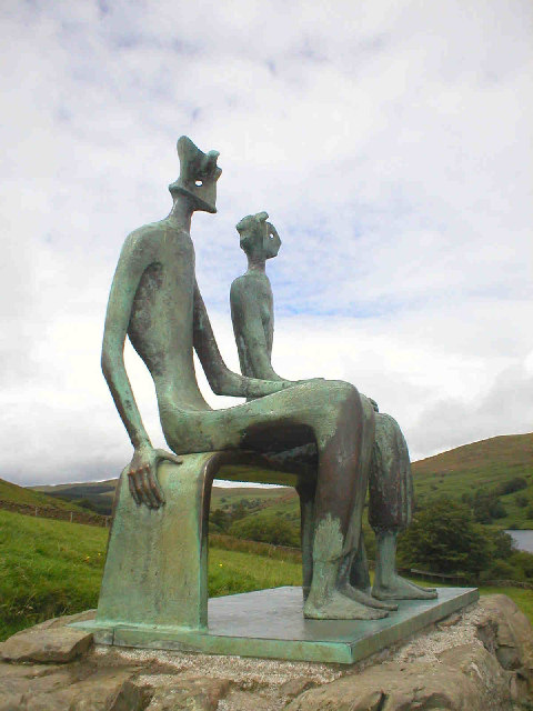 HENRY MOORE - A FAMILY MAN AND A SCULTOR, ANOS 50.
