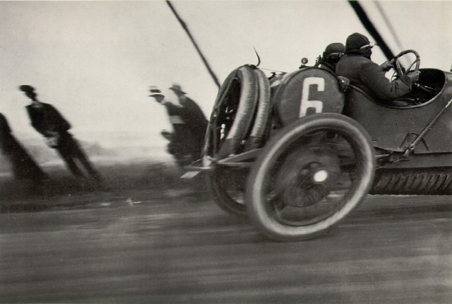 JACQUES HENRI LARTIGUE - CAR TRIP, PAPA AT 80 LILOMETERS AN HOUR, 1913.