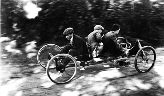 JACQUES HENRI LARTIGUE - ROUZAT, RIDING THE BOBSLEIGH COURSE, 1910.