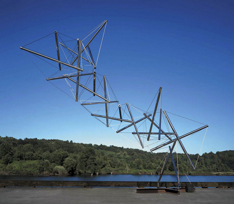KENNETH SNELSON - DRAGON, 2000-03.