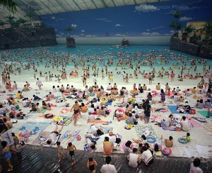 MARTIN PARR - OCEAN DOME ( BATH CENTER ) 1986.