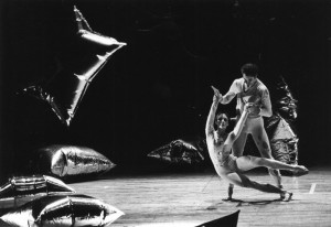 MERCE CUNNINGHAM - RainForest-compressed, 1968.